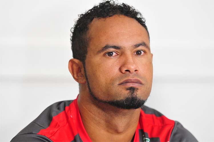 TJ de Minas Gerais diminui pena do goleiro Bruno