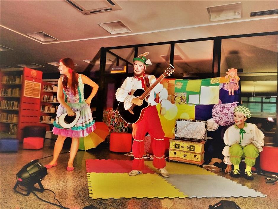 Grupo Encanteria de Teatro apresenta peça infantil Histórias para Sonhar Acordado