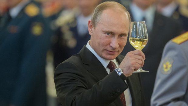 """Após lançamento americano, Rússia lembra que tem """"pai de todas as bombas"""""""