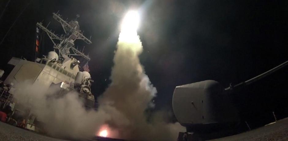 EUA lançam mísseis de cruzeiro em base aérea do regime sírio