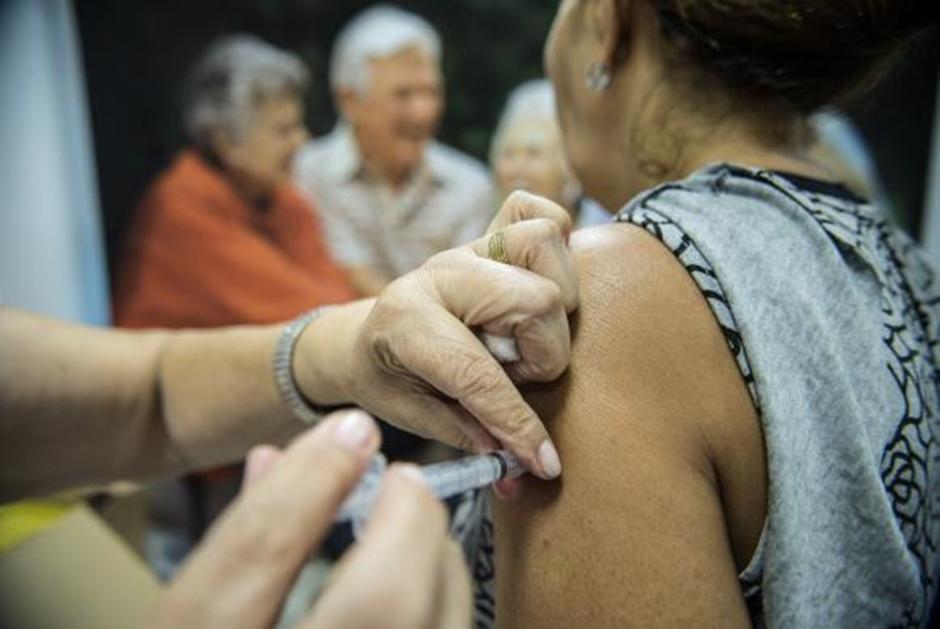 Mobilização nacional de vacinação contra gripe começa nesta segunda-feira