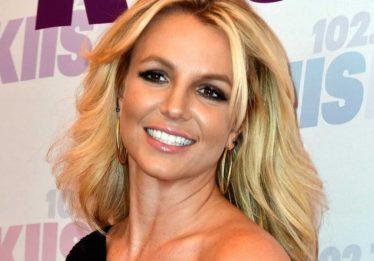 Britney Spears deixa clínica de saúde mental após um mês de internação