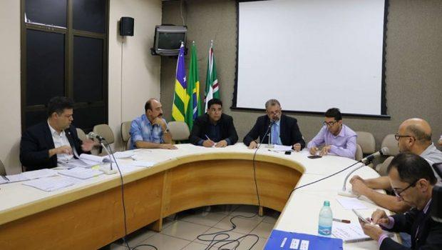 Servidores afirmam que a SMT não tem espaço para guardar 7 mil cavaletes adquiridos por R$ 175 mil
