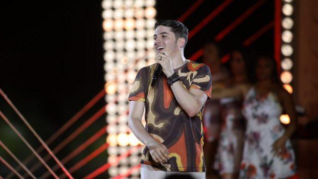Jonas Esticado faz show em Goiânia, na boate VillaMix, nesta sexta-feira