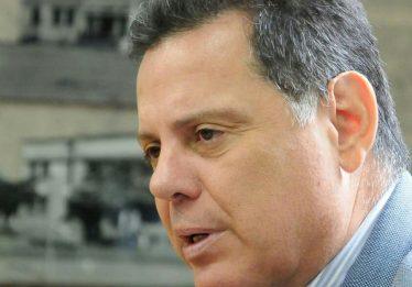 Governador confirma pagamento de benefícios para Educação nas remunerações de junho