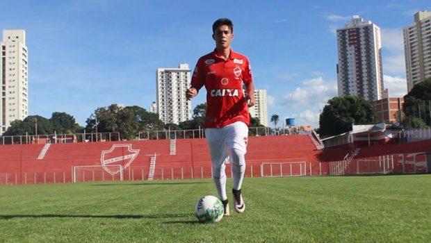 Jogador do Vila Nova apresenta melhora, mas segue internado em UTI