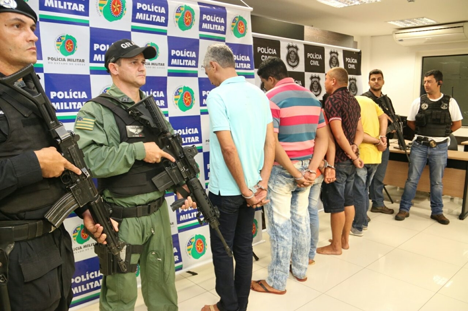 Quadrilha que tentou roubar agência bancária em Itaguaru é presa
