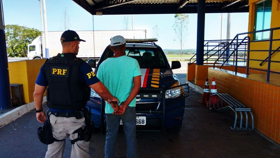 Condutor embriagado é detido pela PRF na BR-153, em Morrinhos