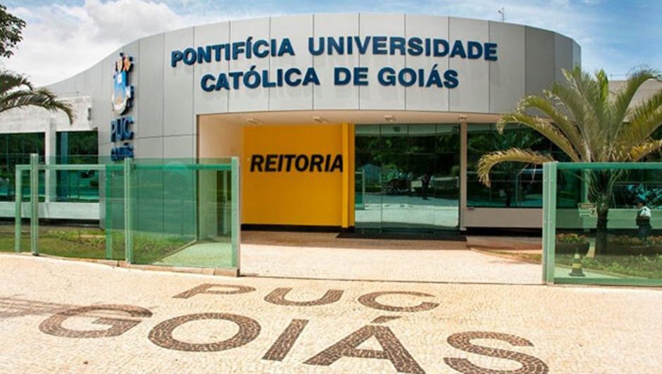 Justiça determina que PUC Goiás matricule estudante que não concluiu o ensino médio