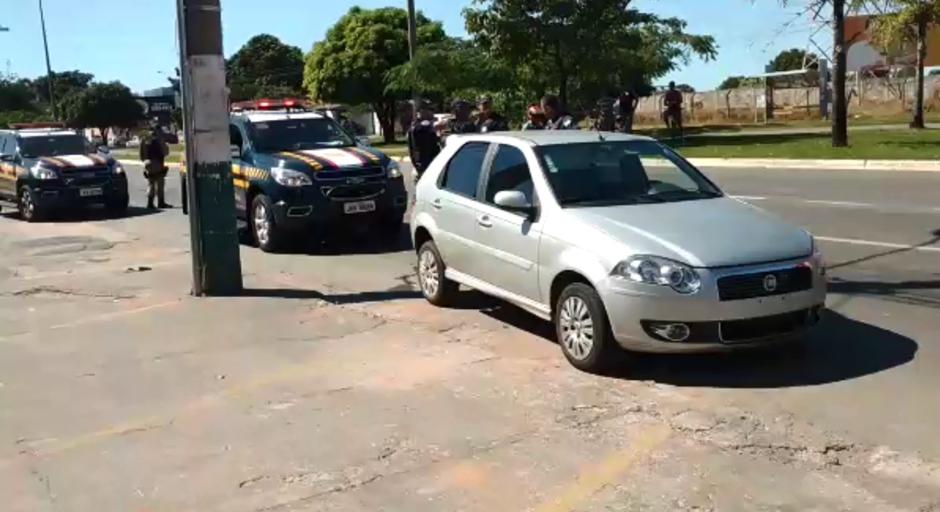 Trio tenta fugir da polícia e atropela ciclista em Aparecida de Goiânia