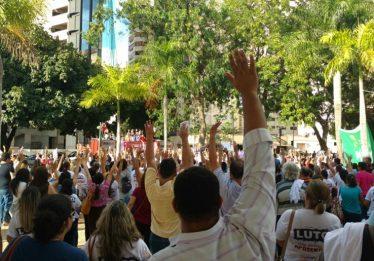 Servidores da Educação estadual aceitam proposta do governo e encerram greve