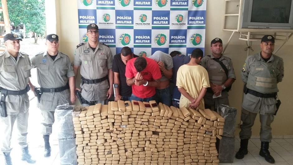 PM apreende mais de 400 quilos de maconha em Mineiros
