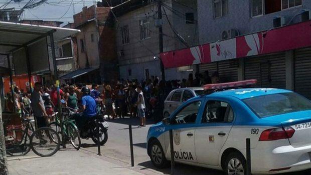 Bala perdida mata idoso que lia jornal no Rio de Janeiro