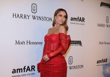 Sabrina Sato paga US$ 70 mil para tirar foto com Kim Kardashian