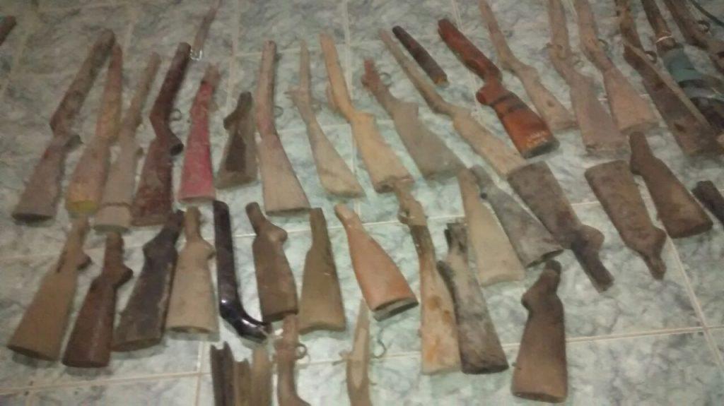 Homem é preso com 75 armas de fogo em Águas Lindas