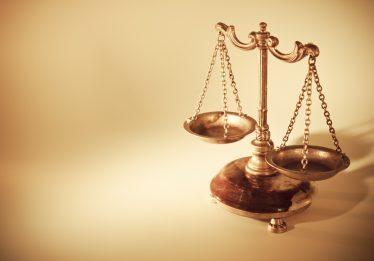 Homem é condenado por falsificar identidades e aplicar golpes em instituição financeira