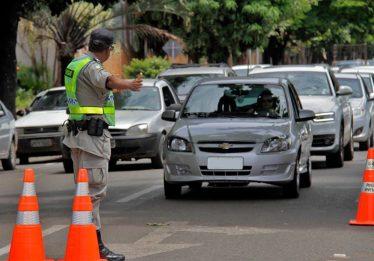 Governo veta projeto que proibia apreensão de veículo com IPVA atrasado