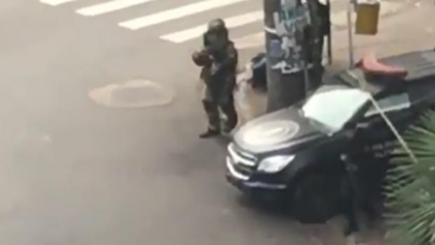 Bope detona suposta bomba no Centro de Goiânia