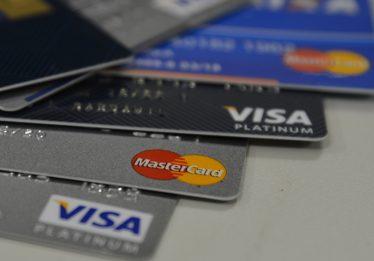 Gasto dos brasileiros com cartão de crédito cresce 14% no 1º semestre
