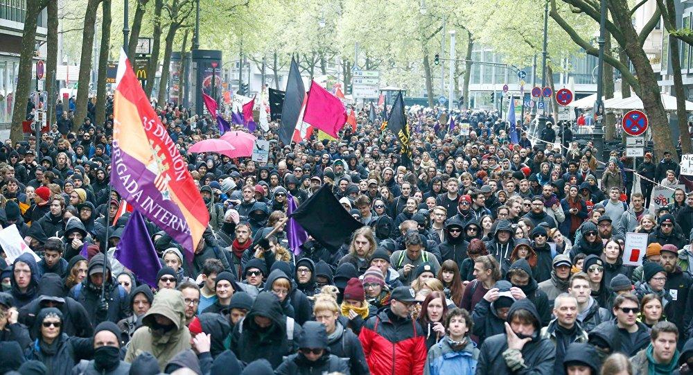 Alemanha: milhares protestam em Colônia contra partido nacionalista AfD