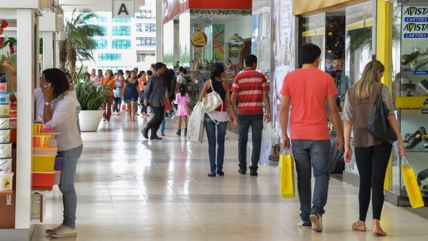 Abre e fecha: shoppings funcionam em horário normal no feriado de Tiradentes