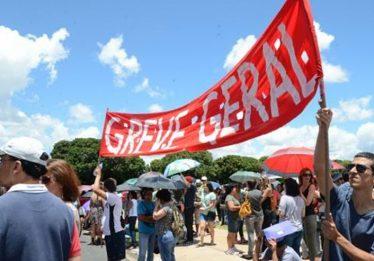 Celebridades comentam greve geral desta sexta-feira (28)