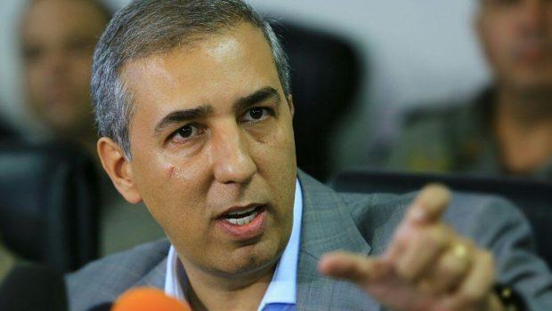 José Nelto entra com representação no MP contra o vice-governador