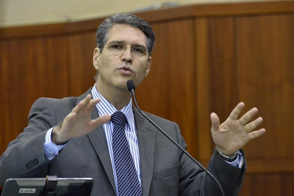 Francisco Jr critica gestão do transporte coletivo em Goiânia