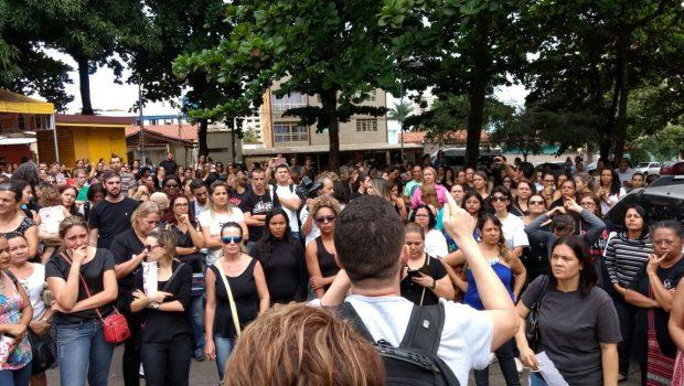 Grevistas voltam à sede da SME de Goiânia para protestar contra violência da Guarda Civil