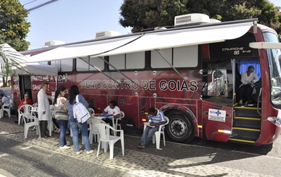Campanha de doação de sangue mobiliza universitários de Goiânia
