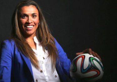 Técnico do Brasil confirma ausência de Marta em estreia na Copa