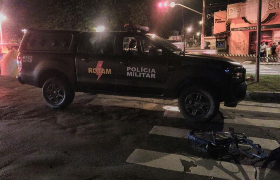 Viatura da Rotam atropela ciclista, no setor Leste Vila Nova