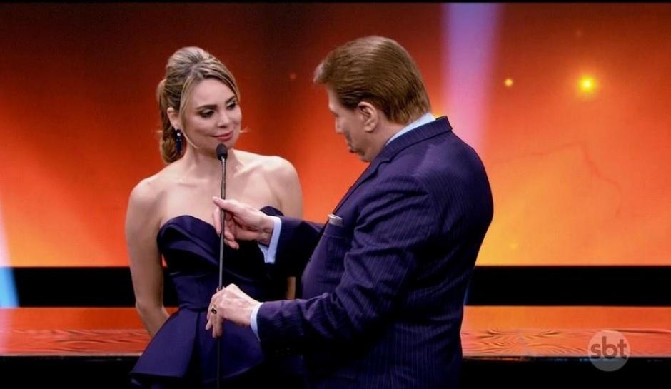 Silvio Santos 'repreende' Rachel Sheherazade por comentários políticos