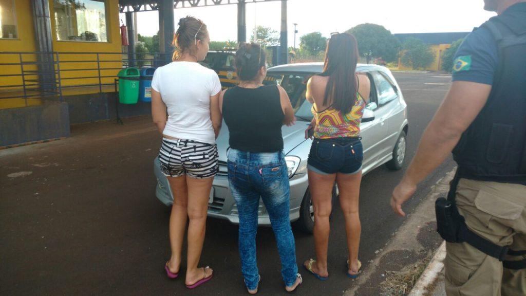 Três mulheres são presas em Itumbiara suspeitas de receptação de veículo roubado