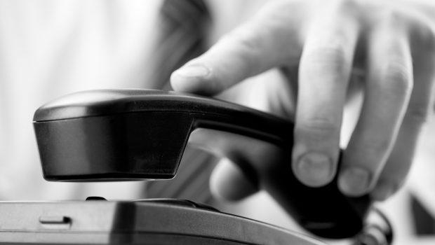 Goiano será indenizado por empresa de telefonia por ter linha bloqueada por um ano