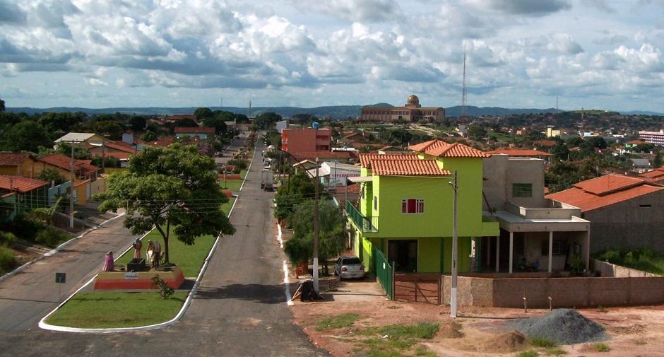 Trindade recebe R$ 5 milhões para recuperar a malha viária urbana
