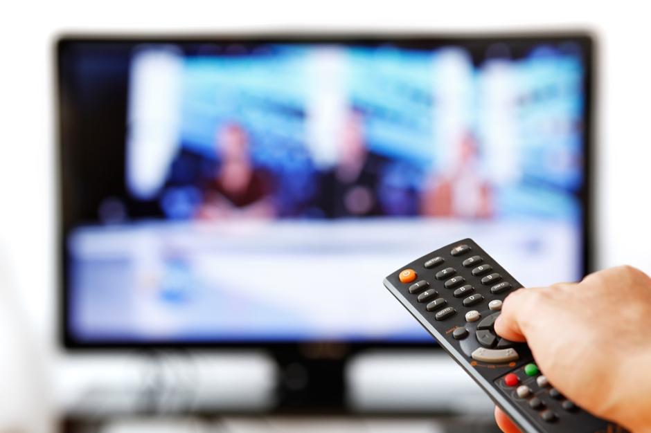 Clientes de telefonia, internet e TV a cabo pagaram R$ 64 bi em tributos em 2016