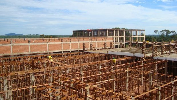 Hospital Regional de Uruaçu está com mais de 60% das obras concluídas