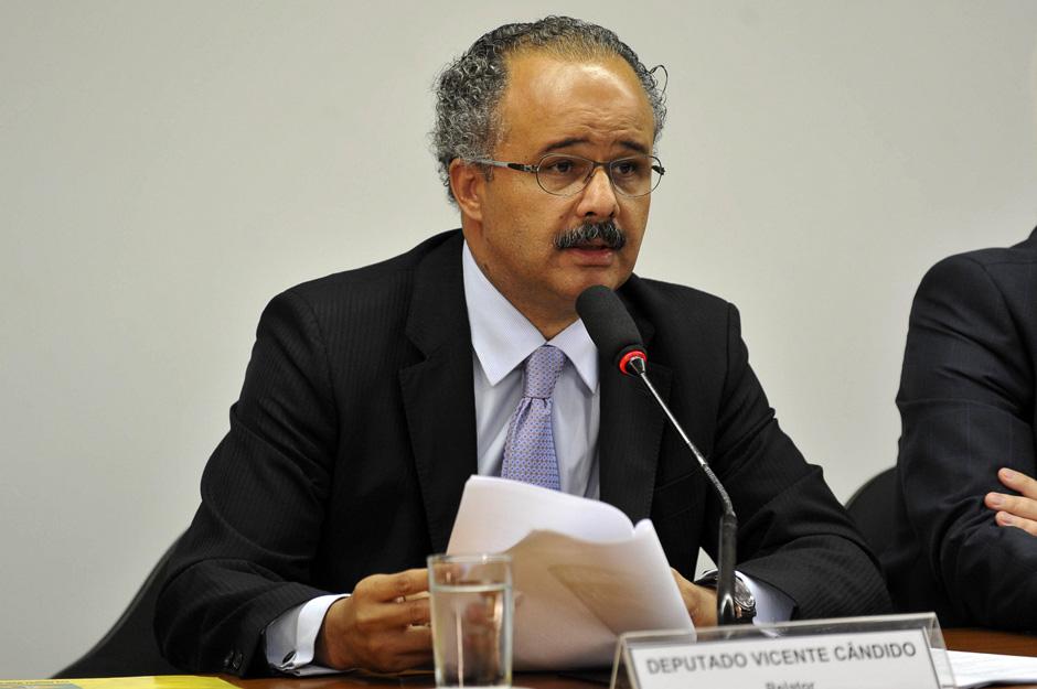 Relator vai incluir crime de caixa 2 na reforma política