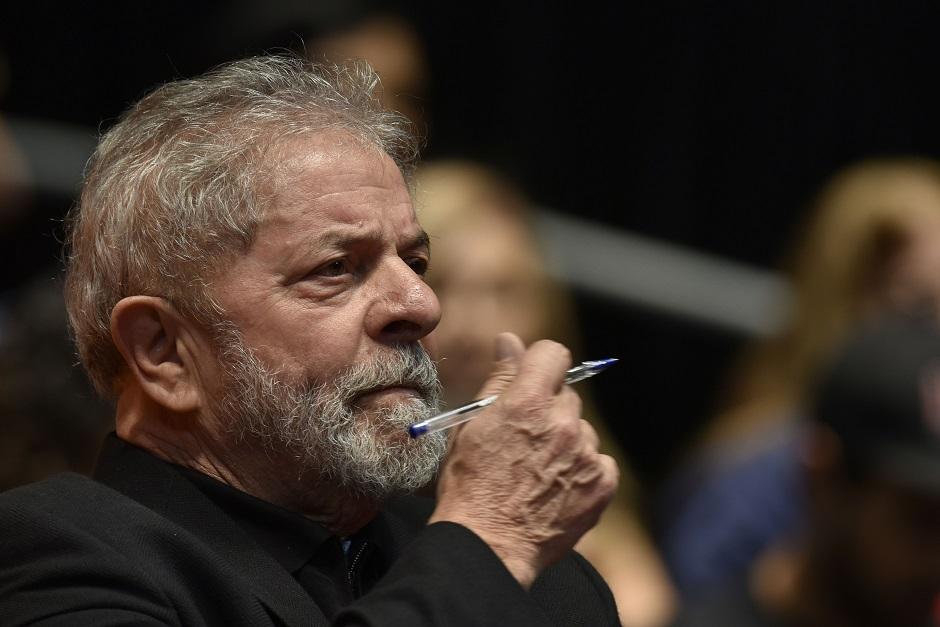'Farta prova documental' põe Lula como proprietário de sítio, diz Lava Jato