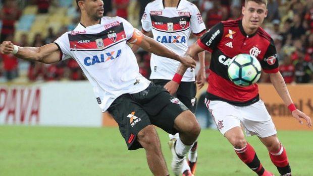 Com time reserva, Flamengo empata sem gols com Atlético-GO