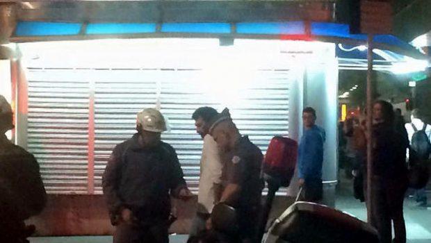 Ativistas pró-imigração seguem presos após conflito com grupo de direita em SP