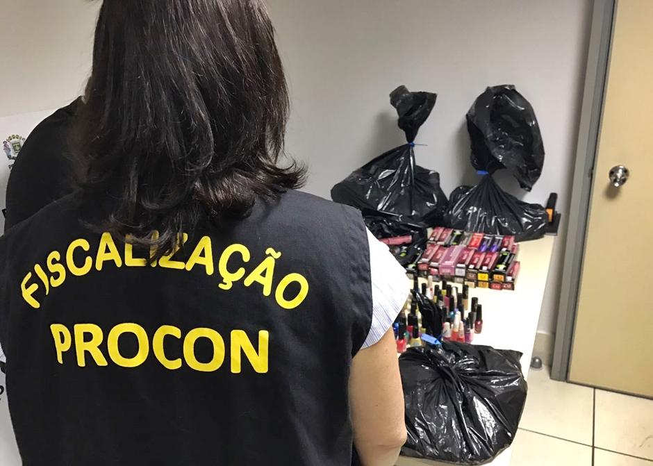 Salões de beleza de Goiânia são reprovados em fiscalização do Procon Municipal
