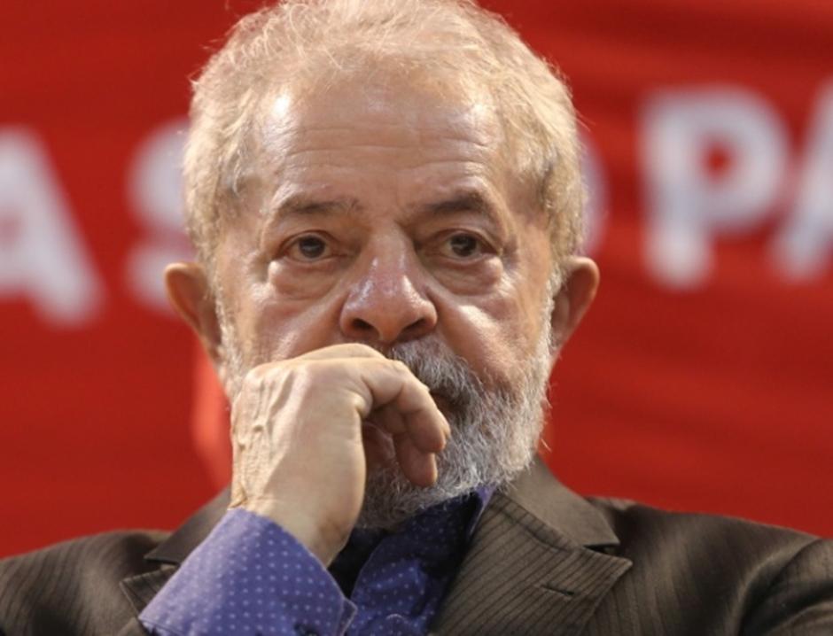 Moro mandar intimar Lula da sentença de 9 anos e seis meses de prisão