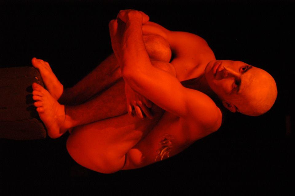 Grupo de Teatro Arte & Fatos apresenta peça A Clara do Ovo