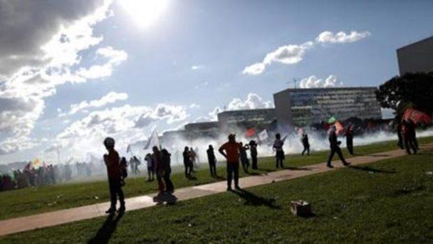 Termina em Brasília maior manifestação contra governo Temer