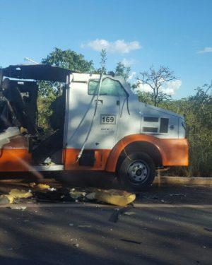 Trio que explodiu carro forte em MG é preso em Goiás