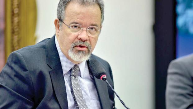 Ministro diz que Brasil prepara plano para receber refugiados da Venezuela