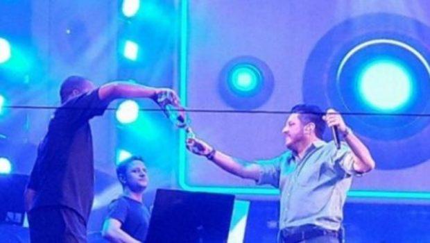 Fãs e organizadores dizem que Bruno, da dupla com Marrone, apresentou show bêbado