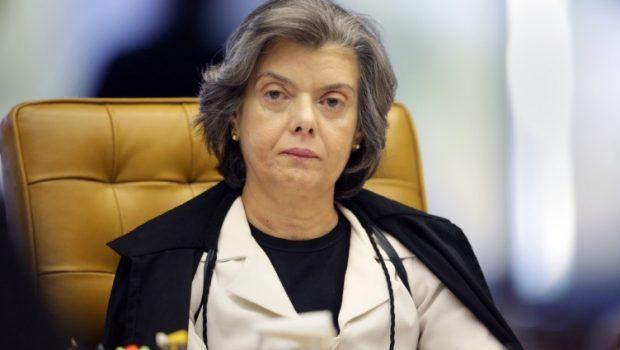 """""""O país sempre vai sobreviver"""", diz Cármen Lúcia sobre crise política"""